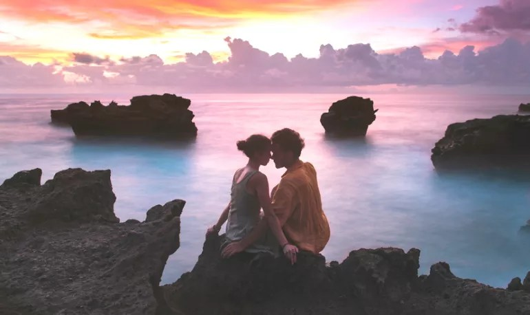 16 Secrets To Staying In That Honeymoon Phase Your Whole Life Hero Image