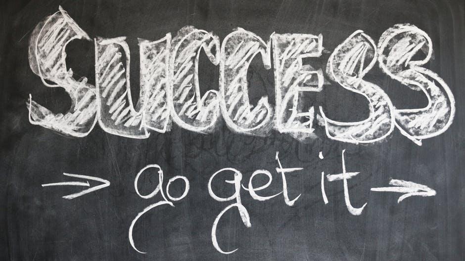 Chcesz osiągnąć sukces zawodowy? 8 skutecznych kroków!