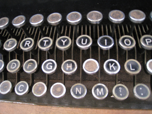 retro-typewriter
