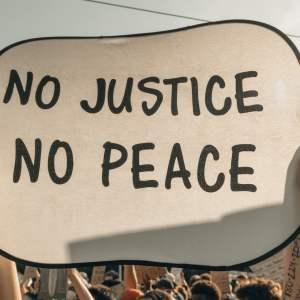 mindfullittles.fivebooks.racialinjustice