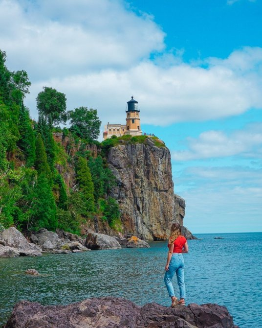 View of SplitRock lighthouse from walking trails along the North Shore of Lake Superior. The tourist attraction is near Two Harbors and Duluth, Minnesota