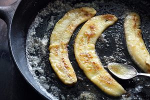 How to Get Unstuck from Toxic Non-Stick Pans // mindfulmomma.com