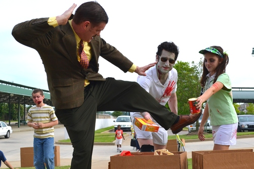 Harold Toboggans blocking food donations