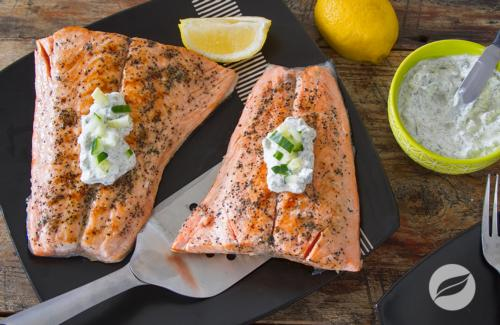 Grilled salmon with creamy cucumber dill sauce