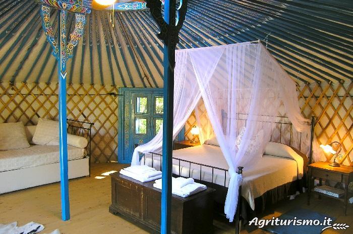 dormire-in-una-yurta
