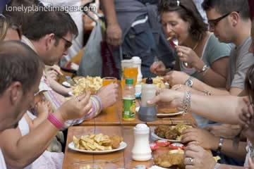Люди в ресторане