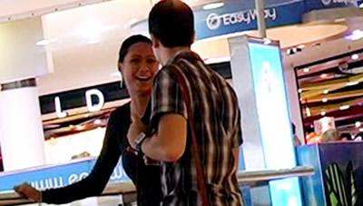 Знакомство с девушкой в торговом центре