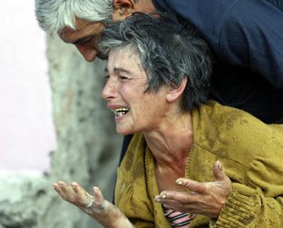 женщина плачет, грузино-российский конфликт 2008 год