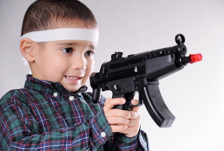 Kid-with-Gun