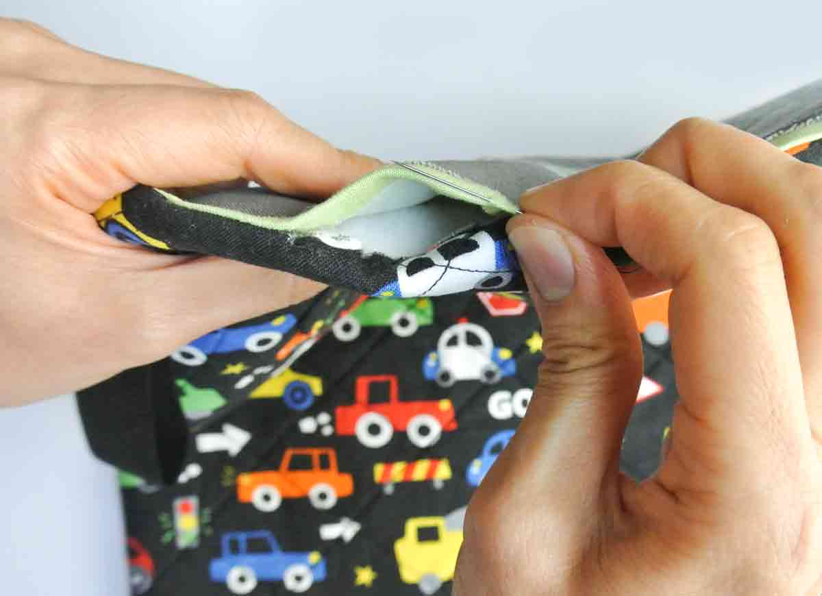 DIY Toy car carrier wallet play mat ladder stitch close opening