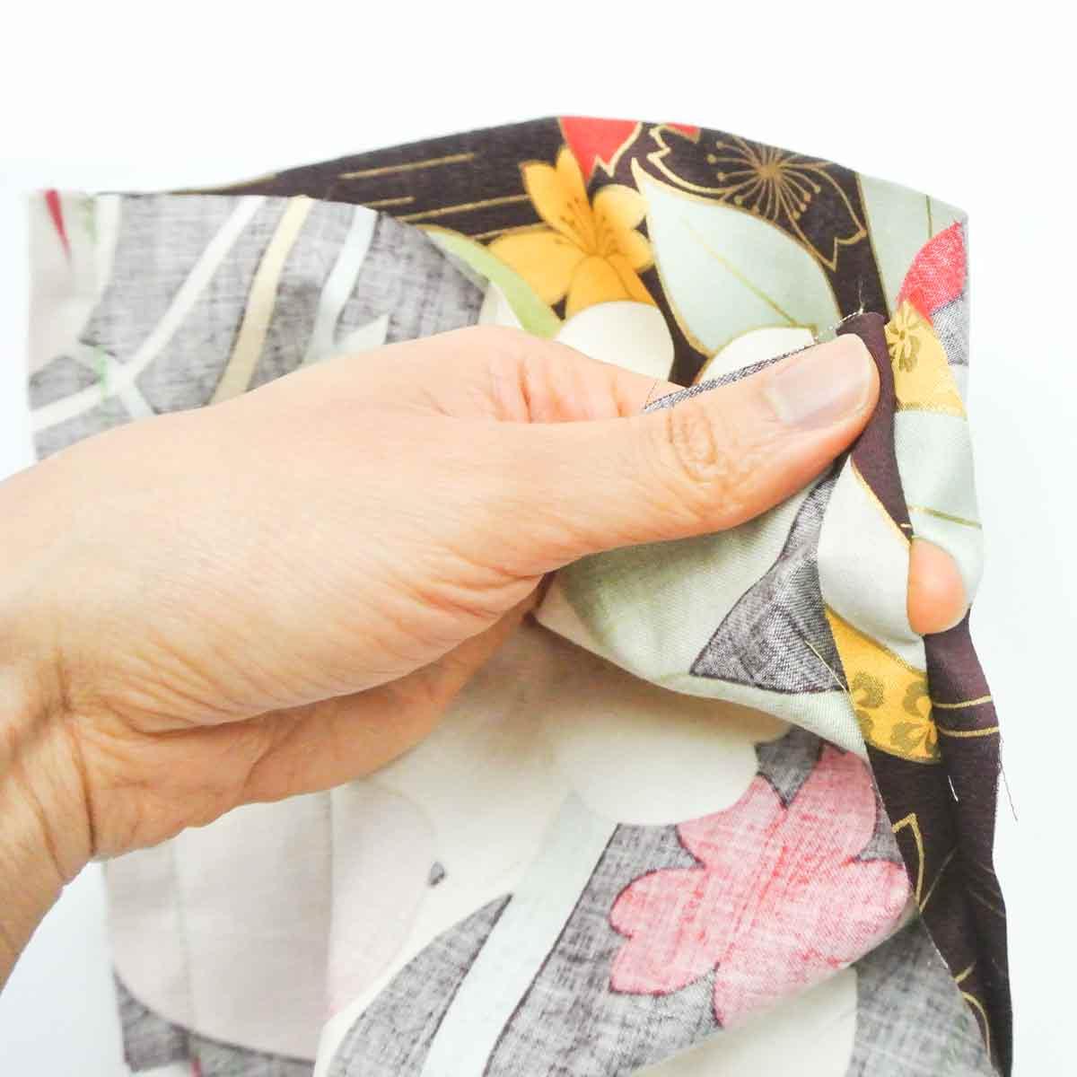 Opening for drawstring on exterior of DIY dice bag. Dice Bag Pattern Free