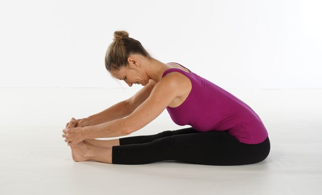 Is there is any effective method in yoga for curing knock knee? 1