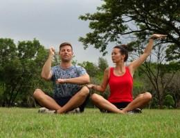 Meditieren im Lumphini Park Bangkok