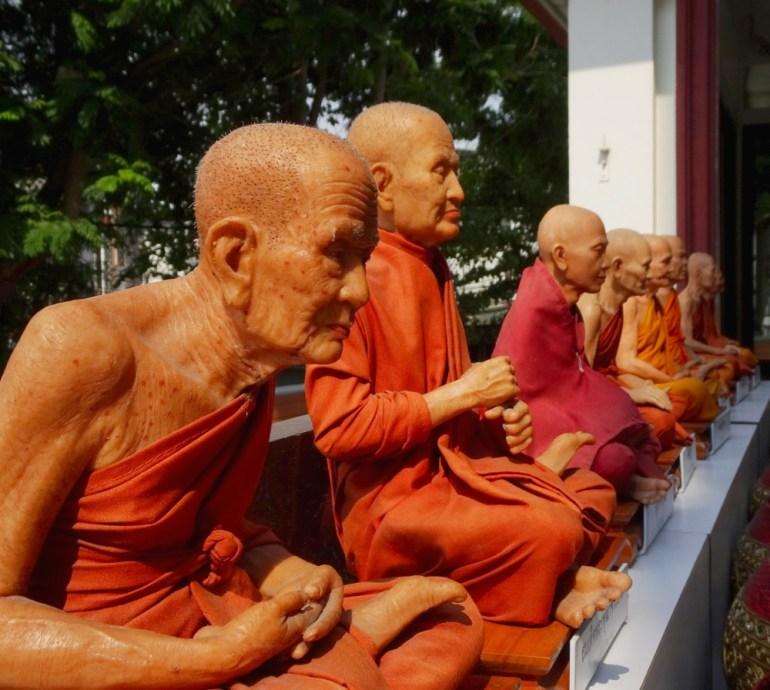 Wachsfiguren Mönche Golden Mount Bangkok