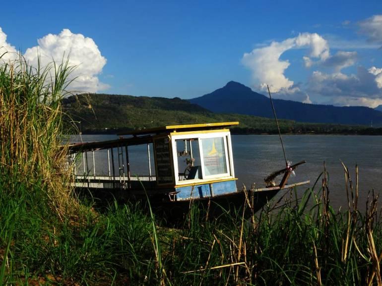 Boot am Ufer Pakse