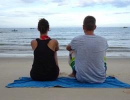 Am Strand sitzen