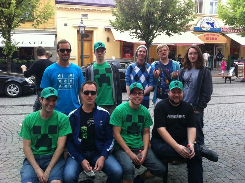 Foto de los primeros desarrolladores de Minecraft en Mojang.
