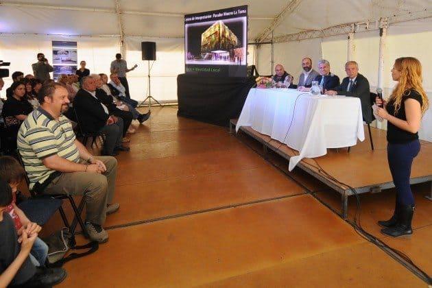 El primer mandatario también felicitó a los arquitectos que participaron del concurso.