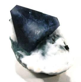 Cristal de Benitoita Triangular Perfecto