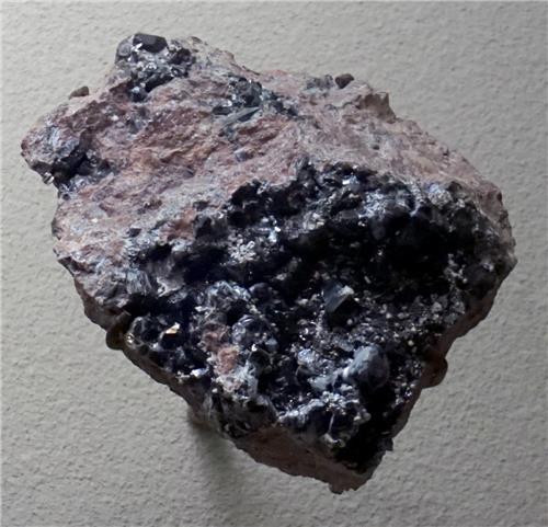 Calomelano cristalizado en matriz