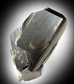 Cristales de Epidota Hermanados Verde Oscuro