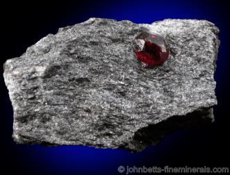 Granate Almandine en matriz de esquisto