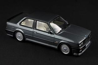 BMW E30 325i Coupe M-Tech I - 01