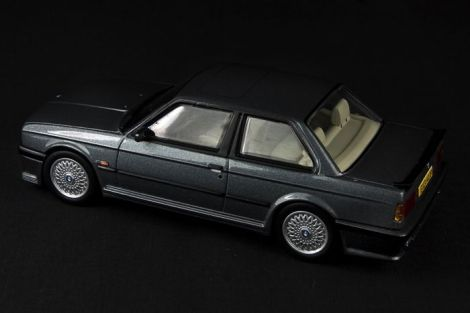 BMW E30 325i Coupe M-Tech I - 04