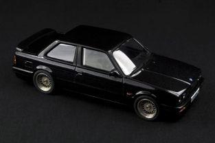 BMW E30 325i Coupe M-Tech II - 01