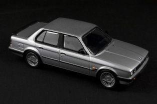 BMW E30 325i Saloon - 01