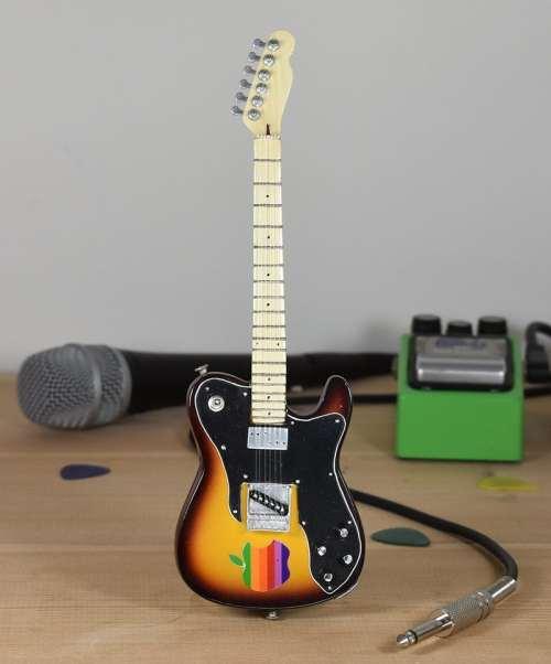Radiohead, Thom Yorke - Fender Telecaster