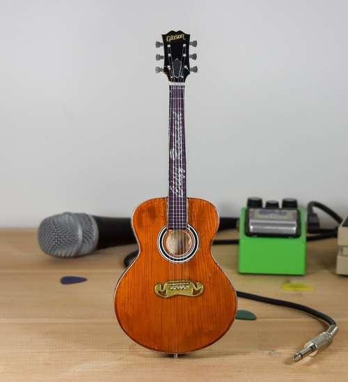 Cliff Richard - Acoustic