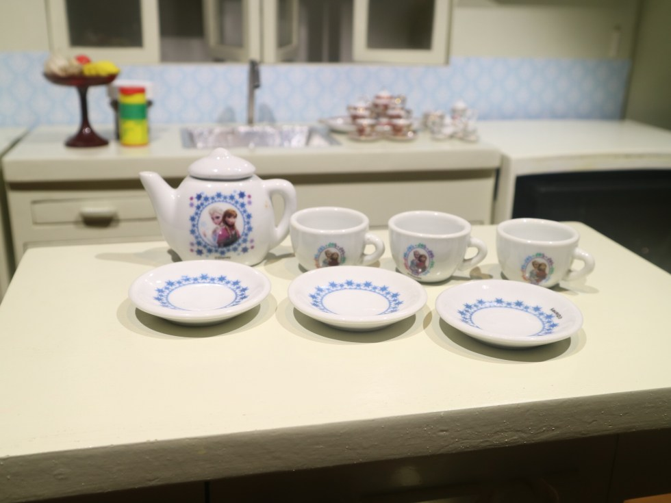 mini teaset frozen