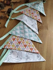 guirlande-fanions-oiseaux-triangles-colore-coton