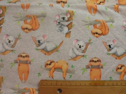 tissu-jersey-koala-paresseux-gris-clair