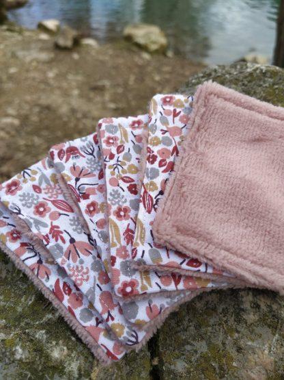 lot-de-6-lingettes-demaquillantes-coloris-fleurs-roses