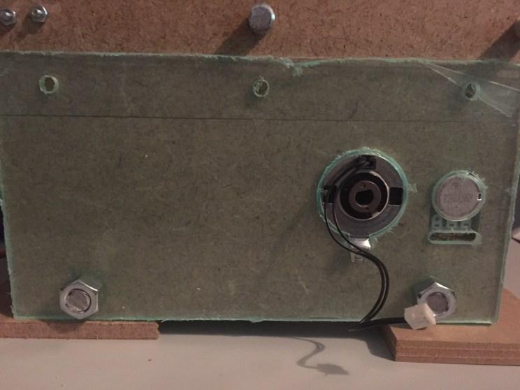 Montageplaatjes voor de servos, koppelingen en potmeters