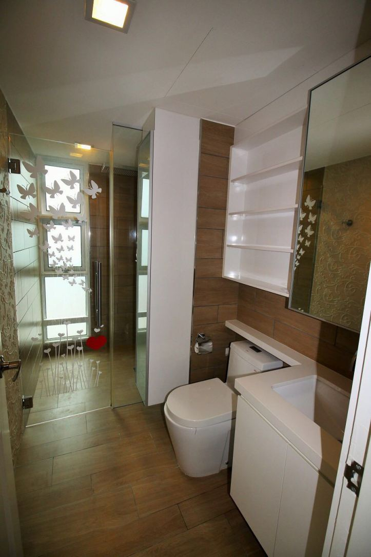 Master Bedroom Toilet.jpg