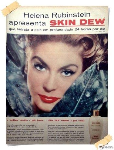 """Hidratante Skin Dew: """" a umidade mantém a pele jovem... SKIN DEW mantém a pele úmida"""""""