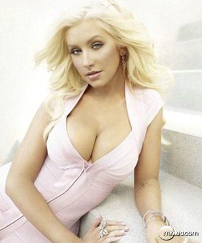 Christina-Aguilera-250x300