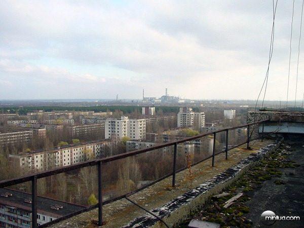 View_of_Chernobyl_taken_from_Pripyat
