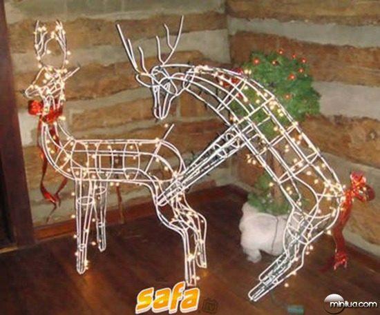 1262841395_10-worst-christmas-decorations-ever
