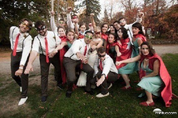 really-strange-weddings07