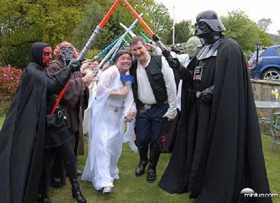 really-strange-weddings18