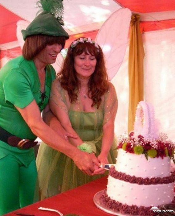 really-strange-weddings28