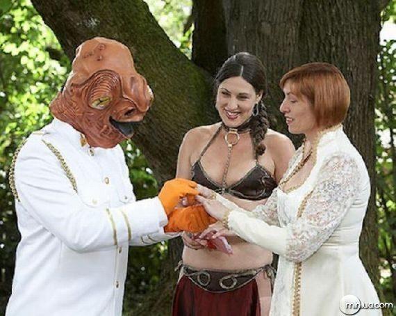 really-strange-weddings29
