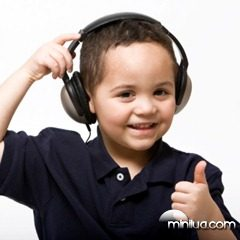 boy-listening-headphones