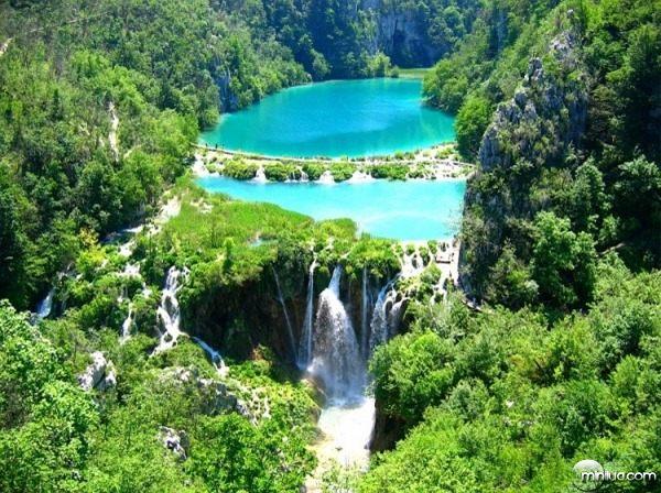 9-Plitvice-Lakes-–-Um-lugar-tão-bonito-que-nem-parece-a-Terra-1-600x449