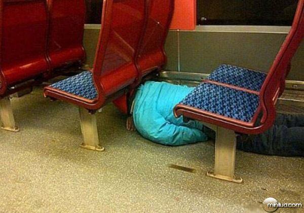 funny pic-funny travel-imagem engraçada-flagra-comedia-humor-transporte público-onibus-putaria (1)