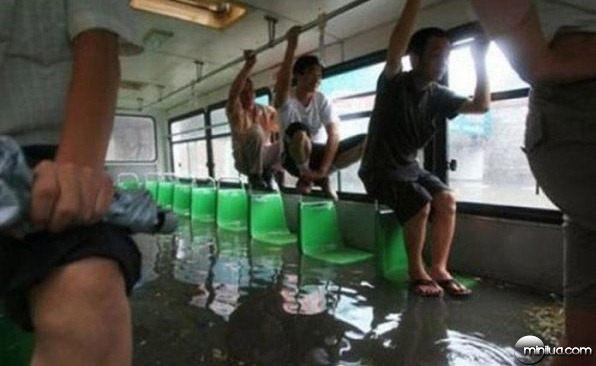 funny pic-funny travel-imagem engraçada-flagra-comedia-humor-transporte público-onibus-putaria (21)